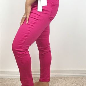 NWT ELLEN TRACY | Pink Pull on Skinny Pant